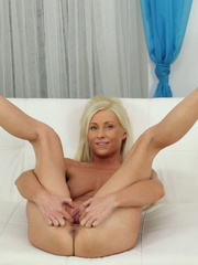 Glamorous fawn in black panties plugs her ass and - XXXonXXX - Pic 3