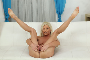 Glamorous fawn in black panties plugs her ass and fingers her quim. - XXXonXXX - Pic 3