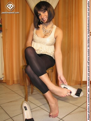 Cute teeny in a beige blouse and leggings takes off her shoes to flaunt her toes - XXXonXXX - Pic 2
