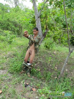 Hunk drops his camo uniform to jack off in the woods. - XXXonXXX - Pic 1