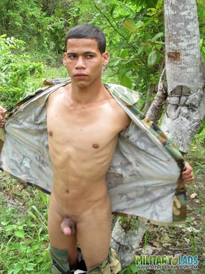 Hunk drops his camo uniform to jack off in the woods. - XXXonXXX - Pic 7