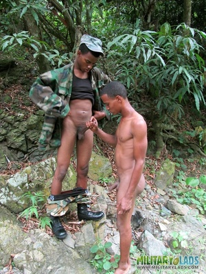 Brute in a battle dress uniform gets blown by a bloke in the woods. - XXXonXXX - Pic 3