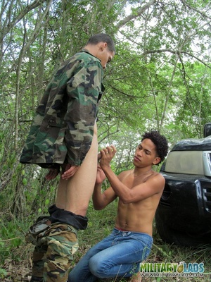 Military man in camo uniform does it with a civilian guy in the woods. - XXXonXXX - Pic 5
