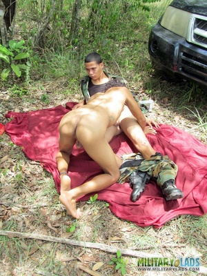 Naked dude works a military man's rod with his mouth and asshole. - XXXonXXX - Pic 6