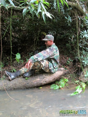 Buddies in camo gear get into some homo action in the river. - XXXonXXX - Pic 3