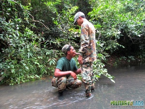 Guys in camo get some cock sucking going in the river. - XXXonXXX - Pic 5