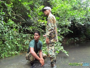 Guys in camo get some cock sucking going in the river. - XXXonXXX - Pic 6