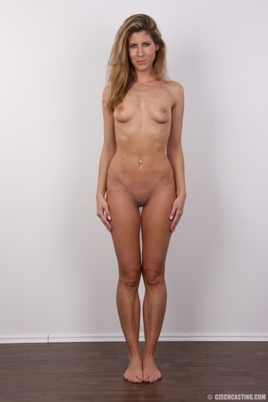 Tanned MILF with reddish hair came to ca - XXX Dessert - Picture 14