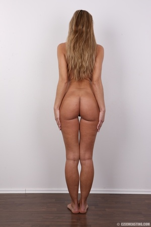 Tanned MILF with reddish hair came to ca - XXX Dessert - Picture 16