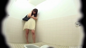 Secret camera in strain station toilet catch Asian babes splashing hot pee - XXXonXXX - Pic 1