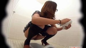Secret camera in strain station toilet catch Asian babes splashing hot pee - XXXonXXX - Pic 12