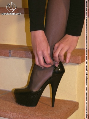 Hot seductress in cute black outfit, black shoes and hose shows sexy feet - XXXonXXX - Pic 2