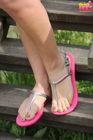 First-class diva removes her pink flip flops at the slide. - XXXonXXX - Pic 2
