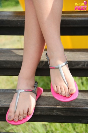 First-class diva removes her pink flip flops at the slide. - XXXonXXX - Pic 4
