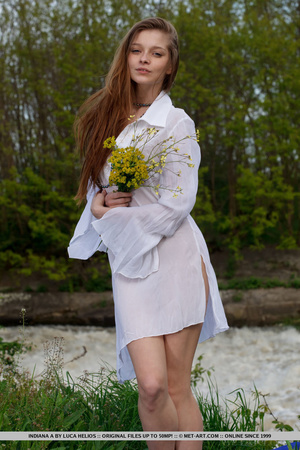 Desirable mare in a white nightgown ges naked by the water. - XXXonXXX - Pic 3