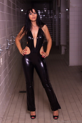 babe tight leather catsuit