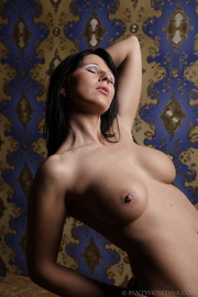 topless heavenly honey fondles