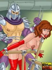 kinky shredder punishes bondage
