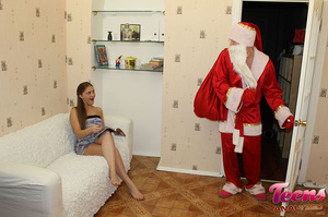 Brunette teeny in a ponytail gets her asshole slammed with Santa's thick dick - XXXonXXX - Pic 2