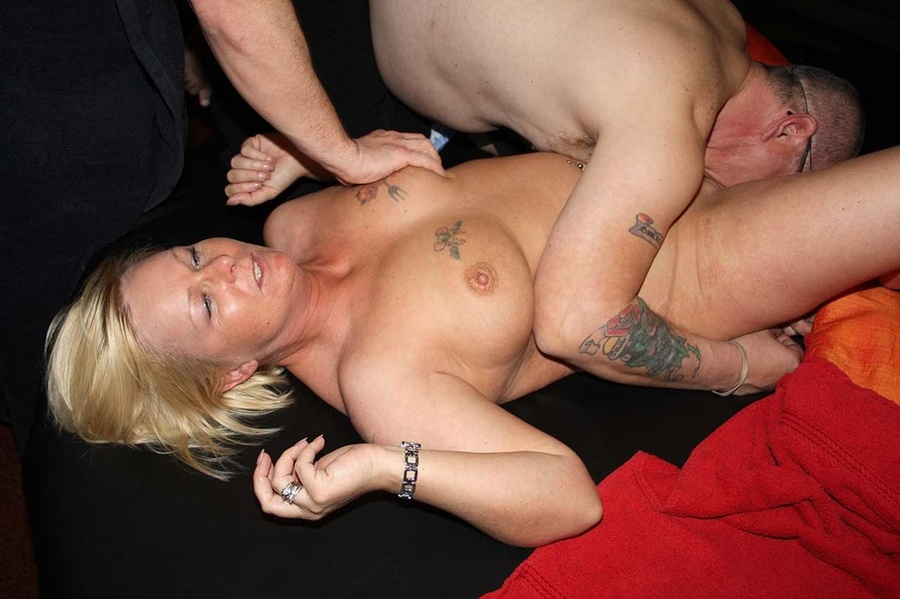 Blondes with shaved pussy