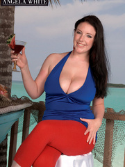Fat chick drinking punch then licks a slice of - Picture 3