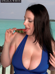 Fat chick drinking punch then licks a slice of - Picture 6