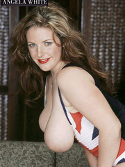 Gorgeous fattie peels off her british flag dress and - Picture 4