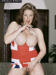 Gorgeous fattie peels off her british flag dress and - Picture 5
