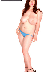 Lovely chick posing her fat body while slowly removing - Picture 6