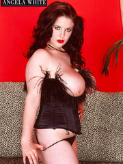 Smoking hot chick with furry brown corset and thong - Picture 6