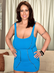 Gorgeous wife in blue mini dress lets her husband lick - Picture 4
