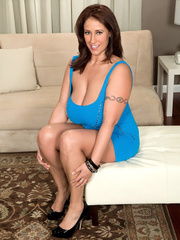 Gorgeous wife in blue mini dress lets her husband lick - Picture 5