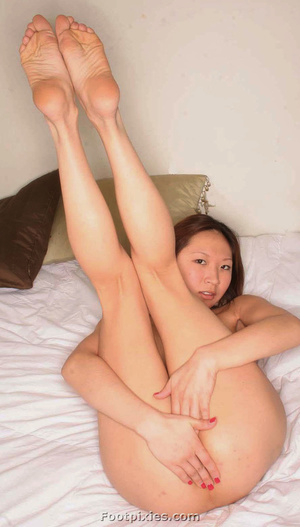 Asian babe and brunette preggo posing outdoors exposing their feet - XXXonXXX - Pic 3