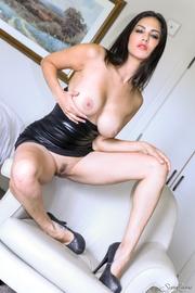 juicy fawn shiny black