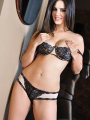 Impeccable slut drops her black and white lingerie - XXXonXXX - Pic 4