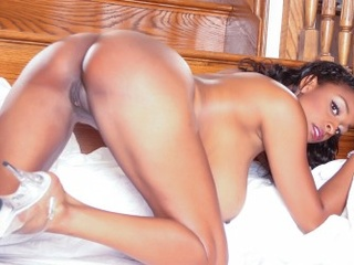 Horny ebony babe with huge boobies enjoys dirty lesbian - Picture 4