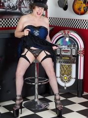 Hot granny wearing black hat, blue and black - XXXonXXX - Pic 5