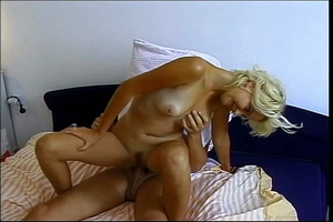 Sweet babe lays down naked on a yellow and white stripe bed then rubs her wide open pussy before she sucks a horny dude's dick. - XXXonXXX - Pic 6
