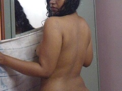 Indian hottie fresh from the shower takes off her - XXXonXXX - Pic 6