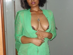 Gorgeous Indian pose seductively then reveals her - XXXonXXX - Pic 9