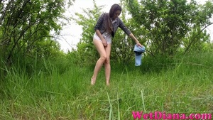 Cool babe with shaved pussy pisses in the fresh air - XXXonXXX - Pic 3