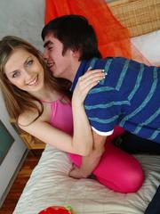 Pretty hottie lets her boyfriend kiss her before - XXXonXXX - Pic 3