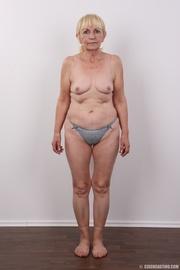 delish woman purple top