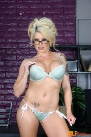 foxy blonde secretary peels