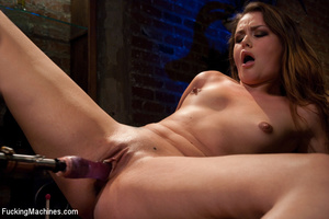 Only a fucking machine can make this cut - XXX Dessert - Picture 6