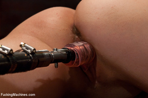 Only a fucking machine can make this cut - XXX Dessert - Picture 9