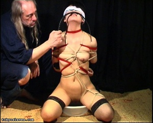 Japanese lady in bondage gets her pussy  - XXX Dessert - Picture 15