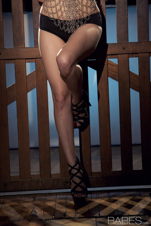 Glamorous brunette model in high heels showing her body - XXXonXXX - Pic 6