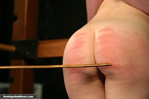 Good looking girl gets spanked and her n - XXX Dessert - Picture 6
