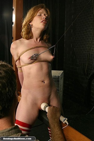 Good looking girl gets spanked and her n - XXX Dessert - Picture 11